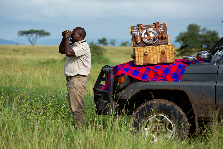 game-drive-safari-africa-east-camps